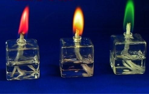 新品■送料無料■ 炎に色のつくオイルランプ 待望 キャンドルの代替に クリスマス キューブタイプ カラーオイルランプ イベントに