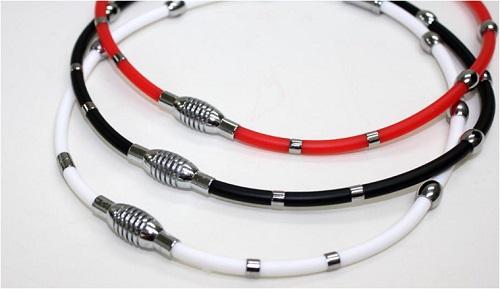 首 低価格化 激安セール 肩の凝り 7か所の磁気とゲルマ2つの力 健康ネックレス コラヌーンネックレス