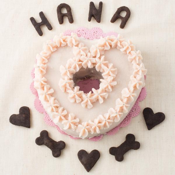 元祖お肉の愛犬用ケーキ 着後レビューで 送料無料 お誕生日やお祝いにとっても華やかでかわいらしいハートのほのかなピンク色の犬用ケーキ ピンク色は天然紅米麹を使用しています 犬 ケーキ 愛犬用ケーキ ピンクのハートケーキ ☆トルタ 手作り 誕生日 無添加 バースデイケーキ マリカ☆犬用ケーキ ディ ハイクオリティ 犬用誕生日ケーキ ドッグフード