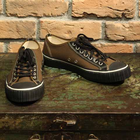【再入荷】AT-DIRTYSNEAKERMODEL