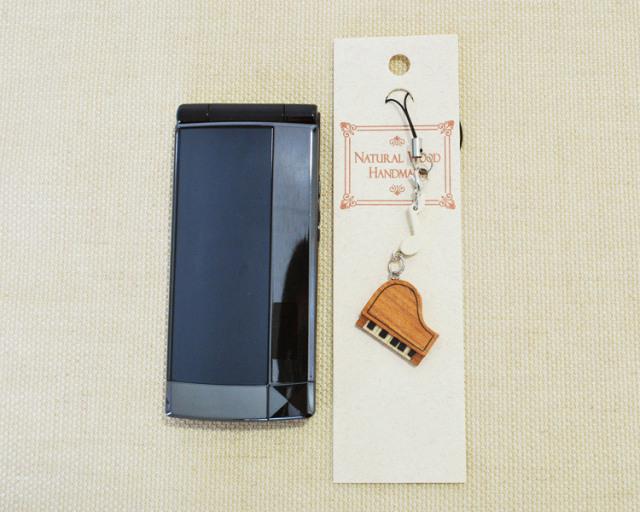 楽器携帯ストラップ ピアノ♪♪お取り寄せ商品です。【ピアノ発表会の記念品におすすめ♪-音楽雑貨】