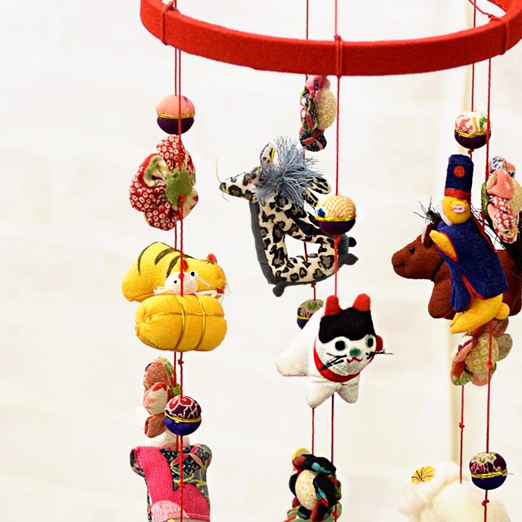 送料無料!縮緬工芸品をもっと身近に。子供の成長を願う贈り物として。【京都のつるし飾り ちりめん 干支 6本飾り】つるし雛 誕生日 雛祭り 子供の日 七五三 新春 お正月 お祝い プレゼント ギフト