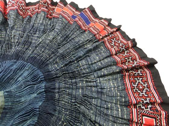 激安価格と即納で通信販売 インテリアやコレクションとしておすすめ ランキングTOP5 モン族民族衣装 円形プリーツスカート 送料無料