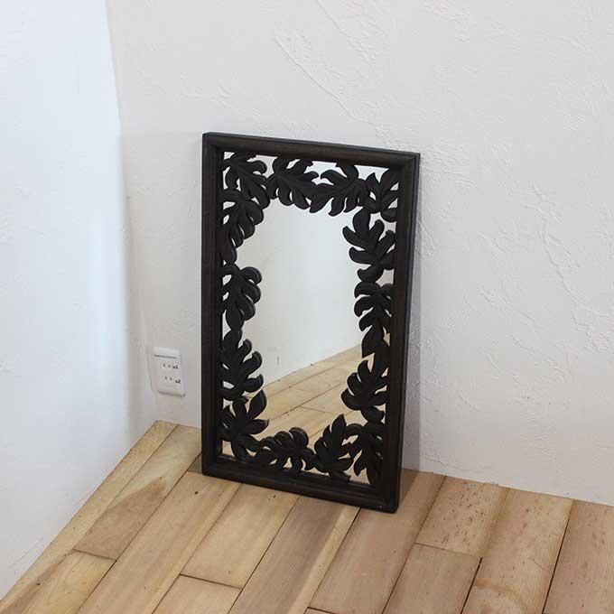 壁掛け ミラー 鏡 バリ風 モンステラの彫刻 43×74
