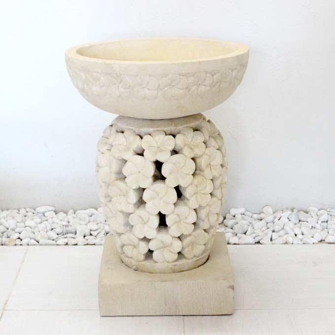 アジアンリゾート バリ好きさんに人気 白い石像 エクステリア 水鉢 プルメリア模様 カービングストーン H58 アジアンガーデン バリ風 エクステリア