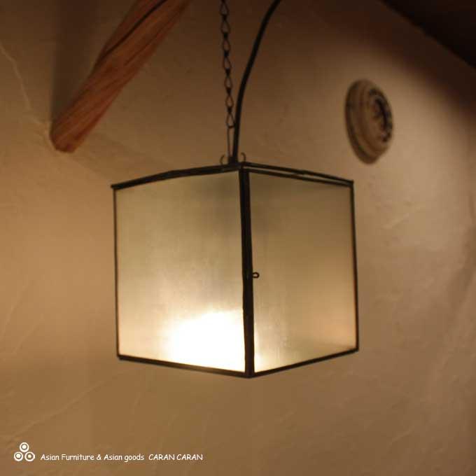 ガラスの吊り下げランプ 天井ライト 照明 H20cm