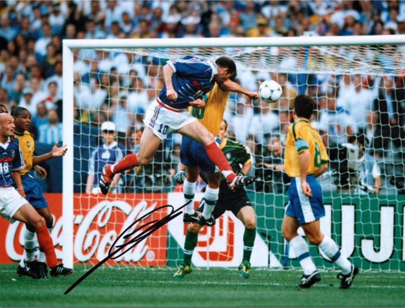 ジネディーヌ・ジダン 直筆サイン入りフォト フランス ワールドカップ・ゴール (Signed France Photo: World Cup Goal) / Zinedine Zidane