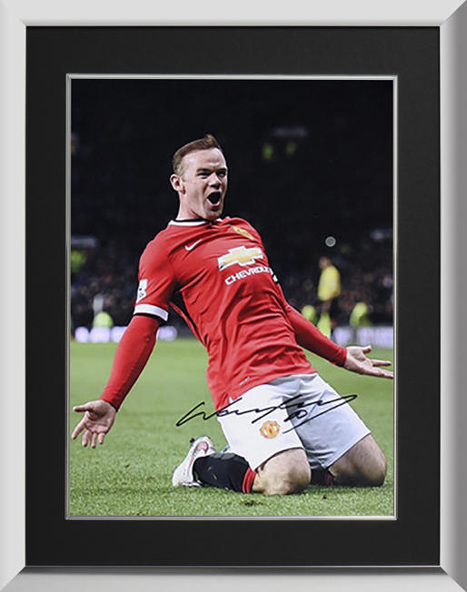 ウェイン・ルーニー 直筆サイン入りフォト マンチェスター・ユナイテッド ニースライド・セレブレーション 額装 (Wayne Rooney Signed and Framed Manchester United Photo: Knee Slide Celebration) 6/17入荷