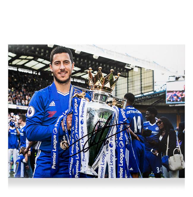 エデン・アザール チェルシー 2016-17 プレミアリーグ ウィナー 直筆サインフォト 額装 Eden Hazard Signed Chelsea Photo: 2016-17 Premier League Winner 3月下旬入荷予定
