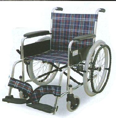 【車いす シルバーマーク取得 自走式】車椅子 スチール製【エアータイヤ 折りたたみ 簡単 容易 駐車ブレーキ ポケット付 フットサポート 安心 安全 医療 看護 介護 介護用品】