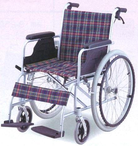 【送料無料】自走式車椅子(アルミ製・介助ブレーキ付)介助ブレーキ付ですので安心してご使用できます
