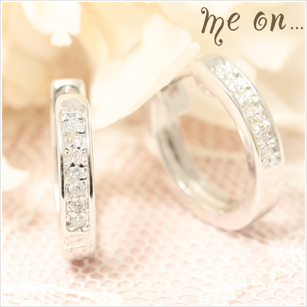 【送料無料】【me on...】Total14粒のダイヤが煌く、1ランク上の本物の美しさ◆K10ホワイトゴールド(WG)・エタニティリングタイプ・天然ダイヤモンドピアス【Pr】