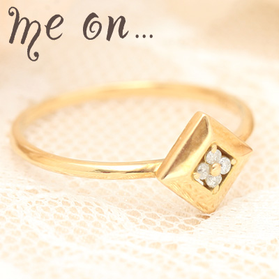 【送料無料】【me on...】ダイヤに咲いたクローバー◆宝石箱の中に隠れた可憐な天然ダイヤモンドクローバー、K10イエローゴールド(YG)ダイヤモチーフ・天然ダイヤモンドリング【発送目安:2~3週間】【r】