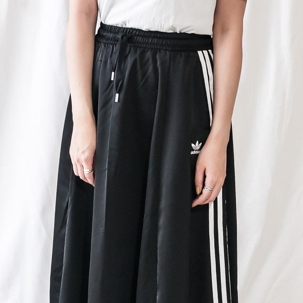 adidas originals [アディダス オリジナルス]サテンロングスカート [SKIRT]20A FL0039 ブラックスポーティー / カジュアル / ジャージ / マキシ / :CARROT