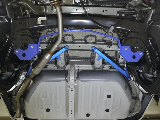 CUSCO(クスコ) リア・スタビバーノア・ヴォクシー エスクァイアZRR80G/ZRR80W/ZWR80G (2WD)