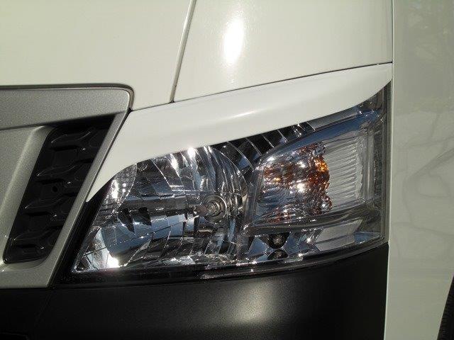 NV350キャラバン(ハロゲン用)E26 アイライン 左右セット(※HIDヘッドランプは取付不可)