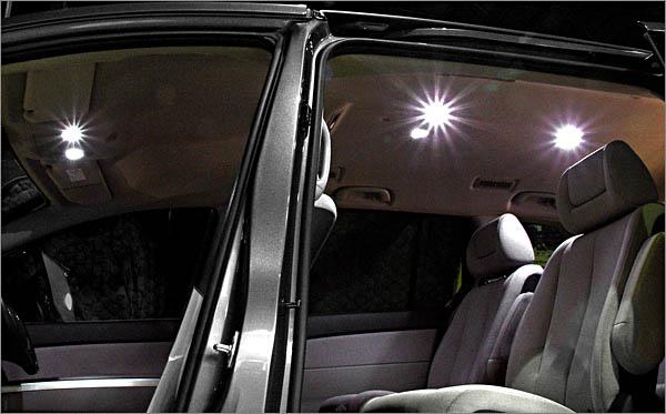 カルースおすすめ 新作送料無料 オートエグゼ■ツインLEDルームランプセット 1台分 定価 DE系 AutoExe ■デミオ