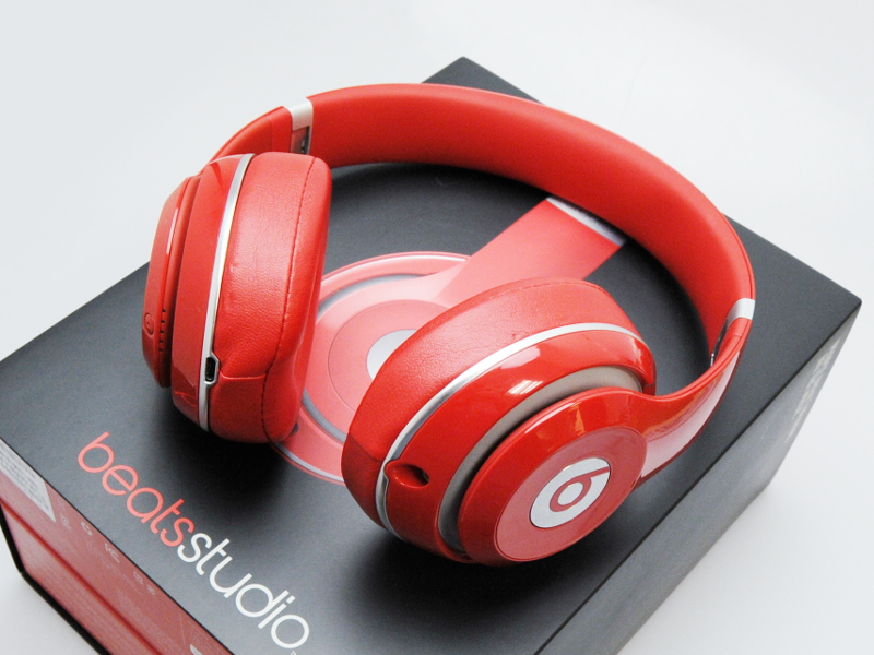 【送料無料!中古美品】Beats by Dr Dre BT OV STUDIO V2 RED オーバーイヤーヘッドフォン レッド MH7V2PA/A B0500【日祝発送OK】【モバックス】
