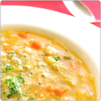 7つの野菜を使った具だくさんミネストローネスープ お得な2~3人前パック 野菜をいっぱい食べるスープ 冷凍スープ 往復送料無料 冷凍 ピザにあう パスタにあう ほっこりスープ 定番 手づくり 美味しい いつでも 日本 ストック 食べるスープ 通販 宅配 イタリアンレストラン 簡単
