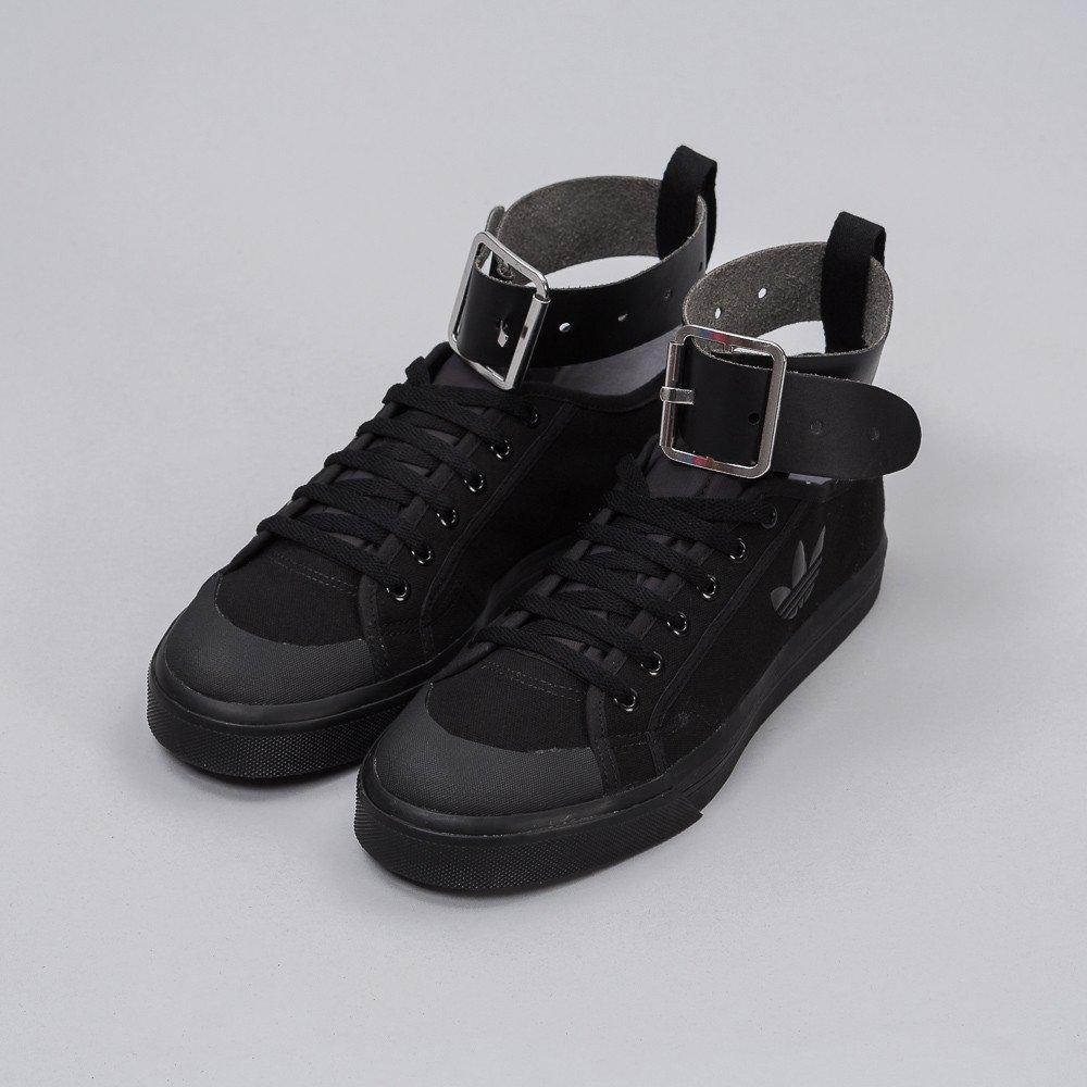 【代金引換不可】 送料無料 men's メンズ 店舗限定 海外限定 日本未発売 ADIDAS RAF SIMONS SPIRIT BUCKLE BLACK/BLACK S81159 アディダス ラフシモンズ スプリット バックル ブラック コラボ ストリート 人気 おしゃれ かわいい スニーカー シューズ 靴