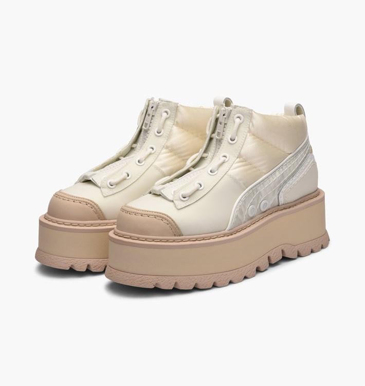 送料無料 Women's ウーメンズ 店舗限定 海外限定 日本未発売 Puma x Fenty by Rihanna Sneaker Boot Zip Marshmallow 365775-02 プーマ x フェンティ バイ リアーナ スニーカー ブーツ ジップ ベージュ コラボ コラボレーション ファッション スニーカー 靴