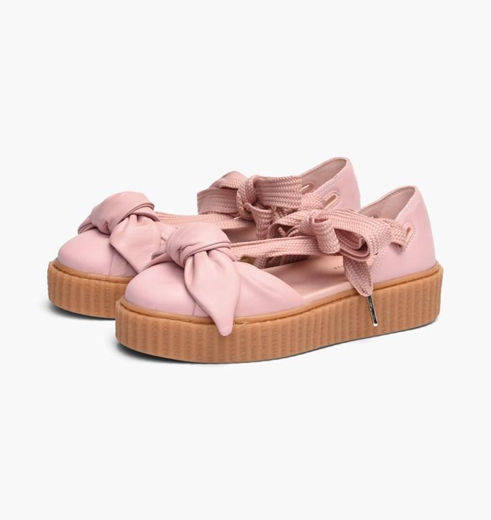 送料無料 Women's ウーメンズ 店舗限定 Puma x Fenty Bow Creeper Sandal Silver Pink 365794-01 プーマ リアーナ ボウ クリーパー スライド ピンク 女子 女性 シューズ スニーカー 靴 人気 オススメ