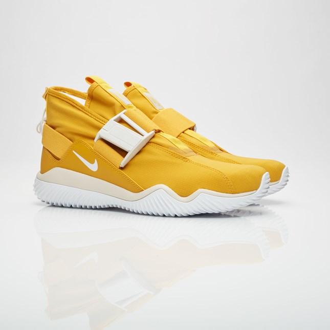 【代金引換不可】 送料無料 Men's メンズ 店舗限定 Nike Lab Komyuter PREMIUM MNRL YLLW/LT BN-ORWD BRWN-SMMT 921664-700 ナイキラボ コミューター プレミアム イエロー ホワイト スニーカー 靴 人気 ファッション アパレル