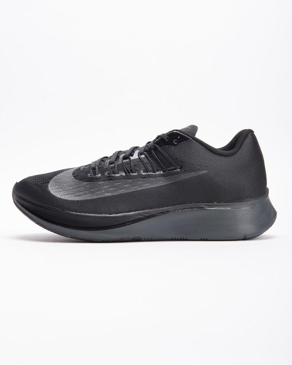 【代金引換不可】 送料無料 Men's メンズ 店舗限定 NIKE ZOOM FLY BLACK/BLACK ANTHRACITE 880848-003 ナイキ ズーム フライ ブラック ズームフライ ランニング 靴 スニーカー アパレル ファッション