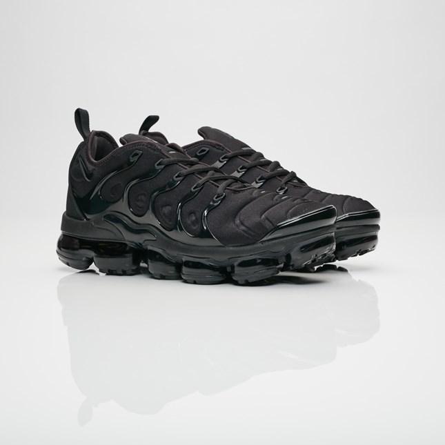 【代金引換不可】 送料無料 Men's メンズ 店舗限定 Nike Sportswear Air Vapormax Plus Black/Black/Dark Grey 924453-004 ナイキ スポーツウェア エア ヴェイパーマックス プラス ブラック ダーク グレー 靴 スニーカー アパレル ファッション