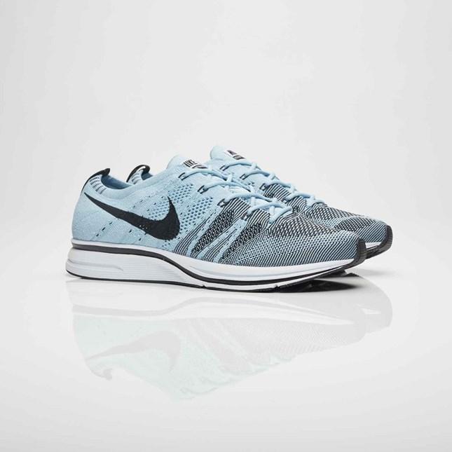 【代金引換不可】 送料無料 Men's メンズ 店舗限定 Nike Running Flyknit Trainer Cirrus Blue/Black/White AH8396-400 ナイキ ランニング フラニット トレーナー シーラス ブルー ブラック 靴 シューズ 人気 ファッション アパレル