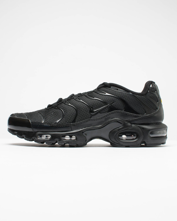 【代金引換不可】 送料無料 Men's メンズ 店舗限定 NIKE AIR MAX PLUS BLACK/BLACK-BLACK AJ2029-001 ナイキ エアマックス プラス ブラック エア マックス 靴 スニーカー アパレル ファッション