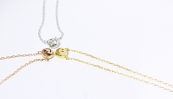 Casho rakuten global market k18wgpgyg white pink yellow gold k18wgpgyg white pink yellow gold simple diamond nudie pendant necklace 010ct mozeypictures Image collections