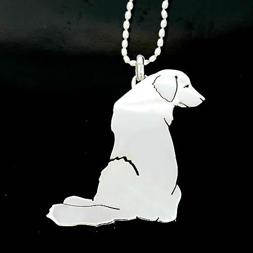 犬 シルバーペンダント シルバーアクセサリー作家 江口タツオさんのオーダーペンダント「ゴールデン」