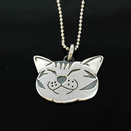 猫 シルバーペンダント シルバーアクセサリー作家 江口タツオさんのオーダーペンダント「笑う猫」