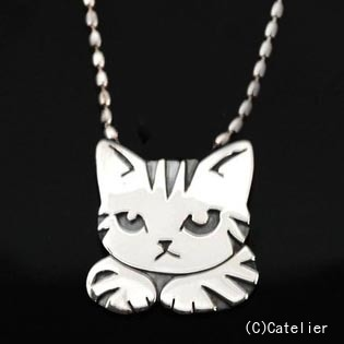 猫 シルバーペンダント シルバーアクセサリー作家 江口タツオさんのオーダーペンダント「ハコ猫」(Mサイズ)