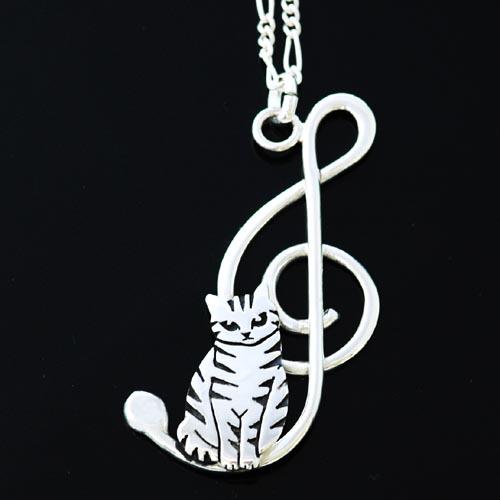 猫 シルバー ペンダント シルバーアクセサリー作家 江口タツオさんのオーダーペンダント「ト音記号小首かしげ」