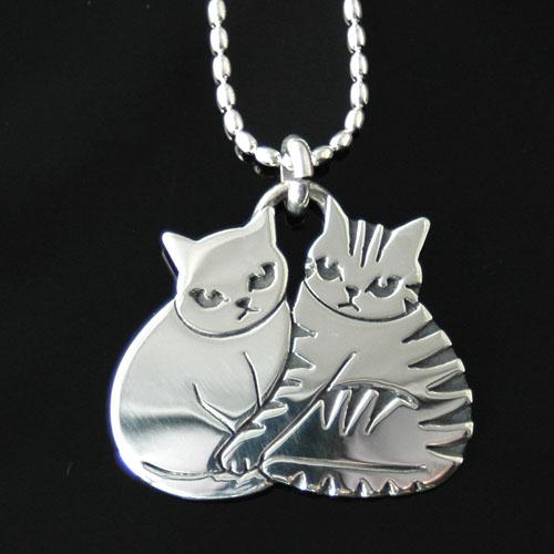 猫 シルバーペンダント シルバーアクセサリー作家 江口タツオさんのオーダーペンダント「ペア」
