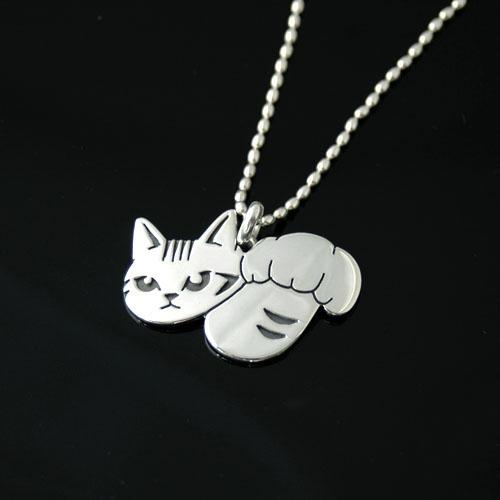 猫 シルバー ハンドメイドペンダント 「猫パンチ」 【猫 アクセサリー ネックレス】