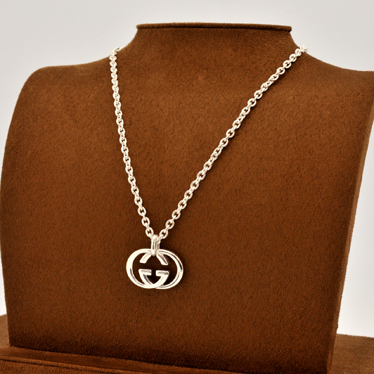 2f080d538 ... GUCCI 190484-J8400-8106 interlocking GG logo silver Britt pendant /  necklace-