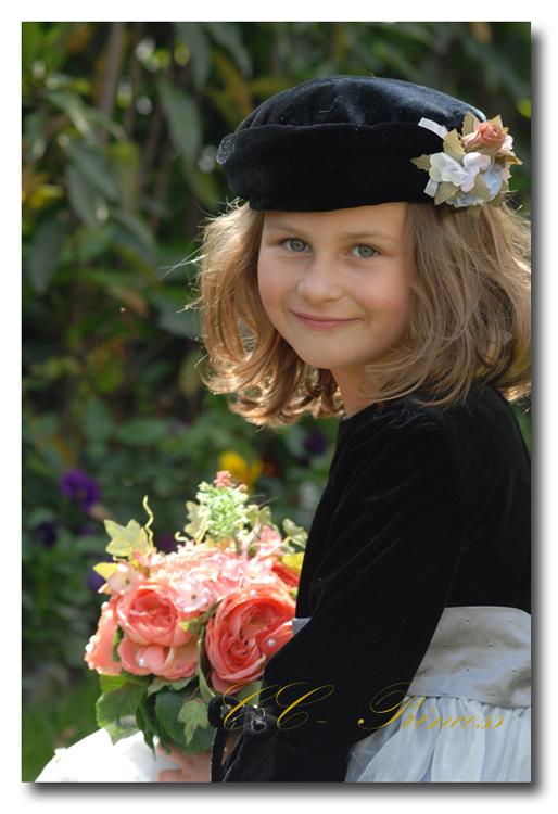 『≪マリアンヌ≫フォーマルワンピースドレス(GD-123)』 キッズドレス、 女の子、 ワンピース、 フォーマルドレス、 発表会、 結婚式、 黒、 ベロア、 80・90・100・110・120・130・140・150・160 【CC-Princess】
