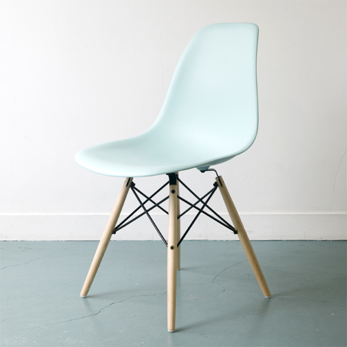E2-5 Herman Miller ハーマンミラー Eames Shell Chairs イームズ シェルサイドチェア DSW(メープル)/アクアスカイ DSW.BKUL4TE8【送料無料】_dp05
