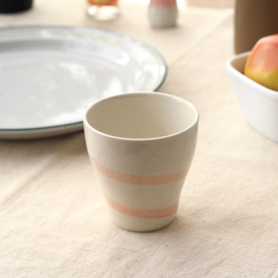 《タンブラー》食事中の麦茶におすすめサイズ 渦巻きフリーカップ ピンク 気分で選べるかわいいタンブラー 定番 食器 カップ タンブラー かわいい アウトレット☆送料無料 陶器 美濃焼 訳あり 国産 ペア