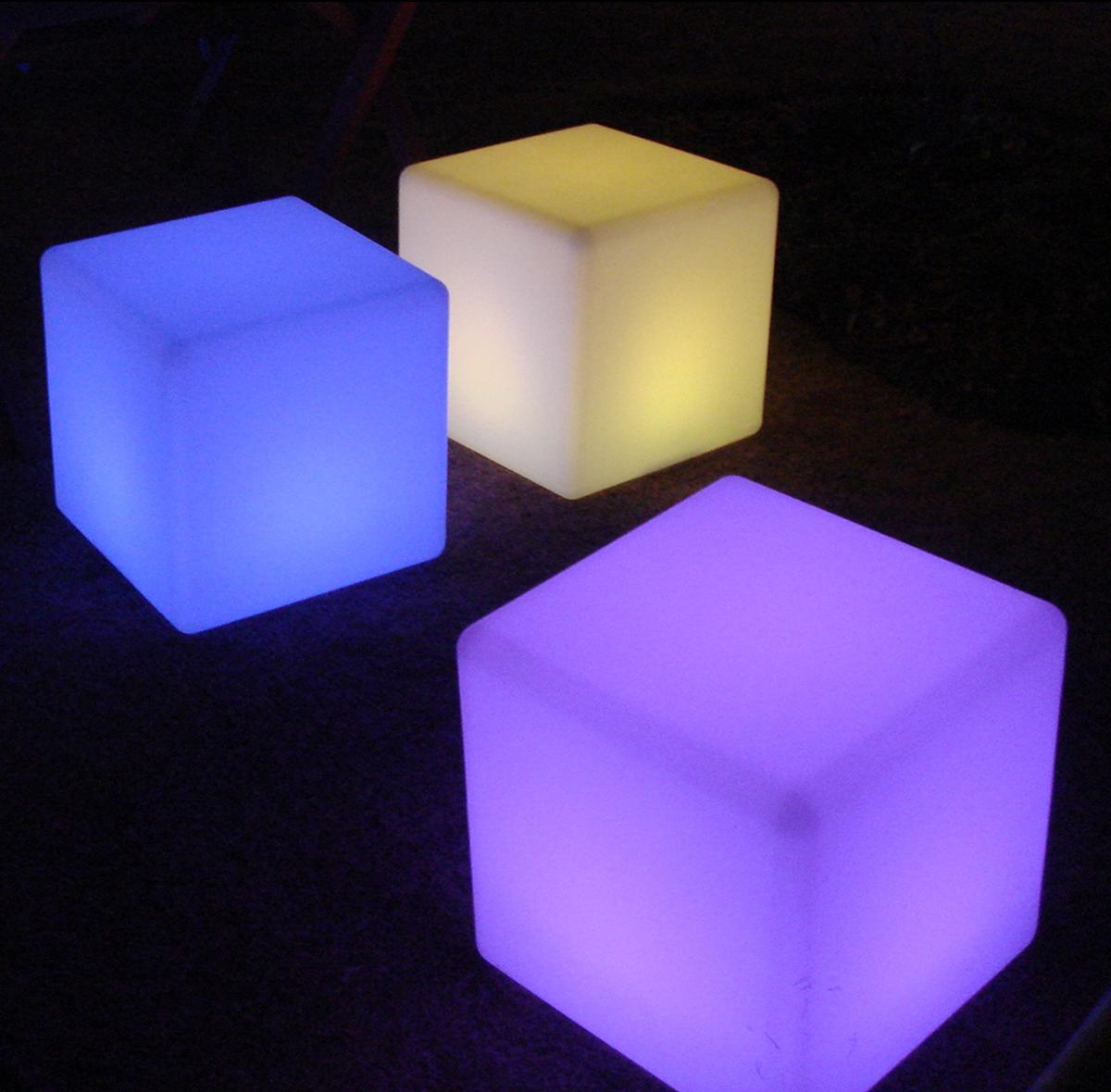 光るインテリアシャイニング チェアキューブ30