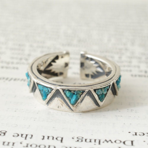 GARDEN OF EDEN TURQUOISE TRIANGLE RING