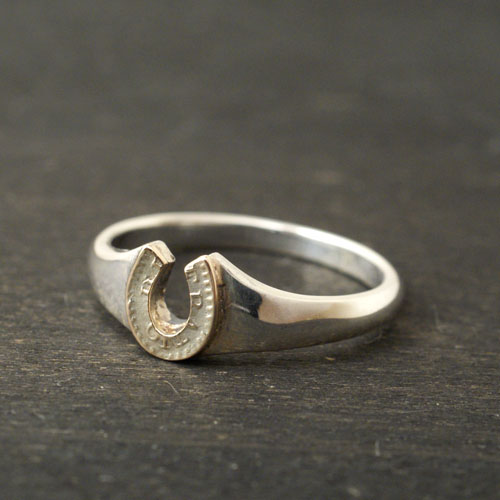 Atease HORSE SHOE SMALL RING SV&K10 GOLD