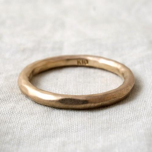 モリーヴ・シンプルK10リング。 mollive SIMPLE 10K RING