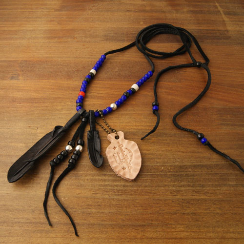 Rooster King & Co.・J.D Black Feather Necklace Blue