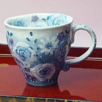 瀬戸焼工房ゆずりは藍彩花化粧マグカップ(メッセージカードサービスあり)【合計金額次第送料無料】:茶心茶屋