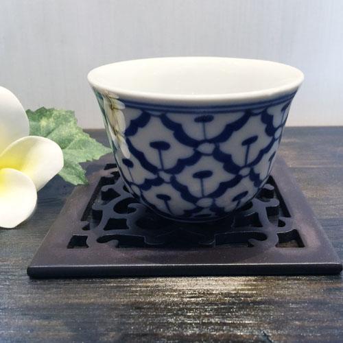 パイナップル柄の陶器の湯飲み 大 直径8cmです 湯飲み お気に入り 青白陶器青白食器パイナップル柄陶器 正規逆輸入品 直径8cm 小鉢タイ料理アジアン料理タイ雑貨