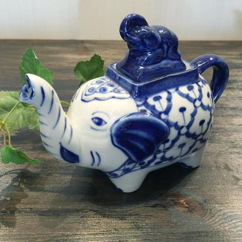 購買 パイナップル柄の陶器のポット 1着でも送料無料 大 象です 青白ポット 小鉢タイ料理アジアン料理タイ雑貨 青白陶器青白食器パイナップル柄陶器 象